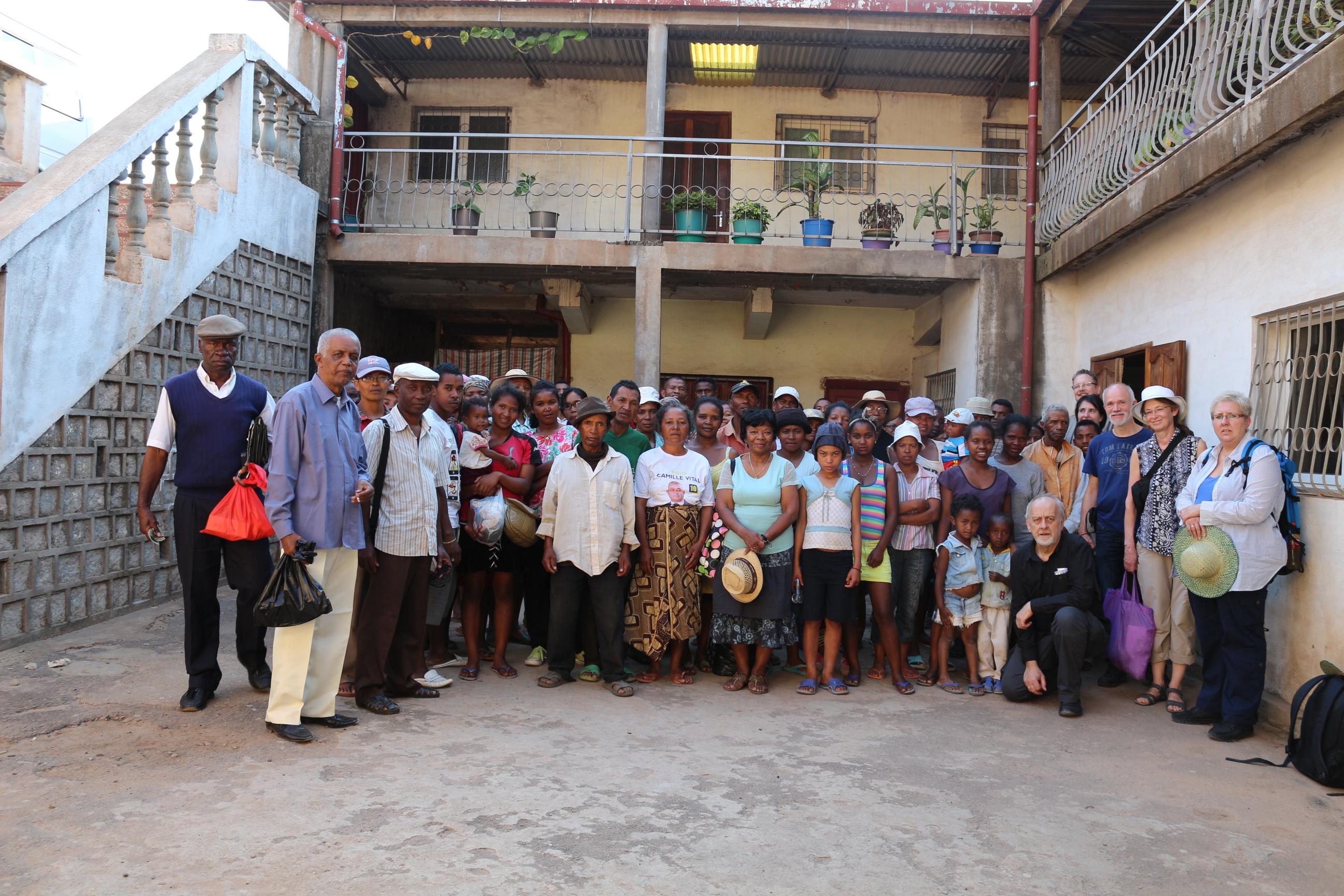 Iray Aina organisiert Benachteiligte